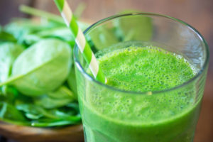 athletic-green-powder-superfood-cocktail